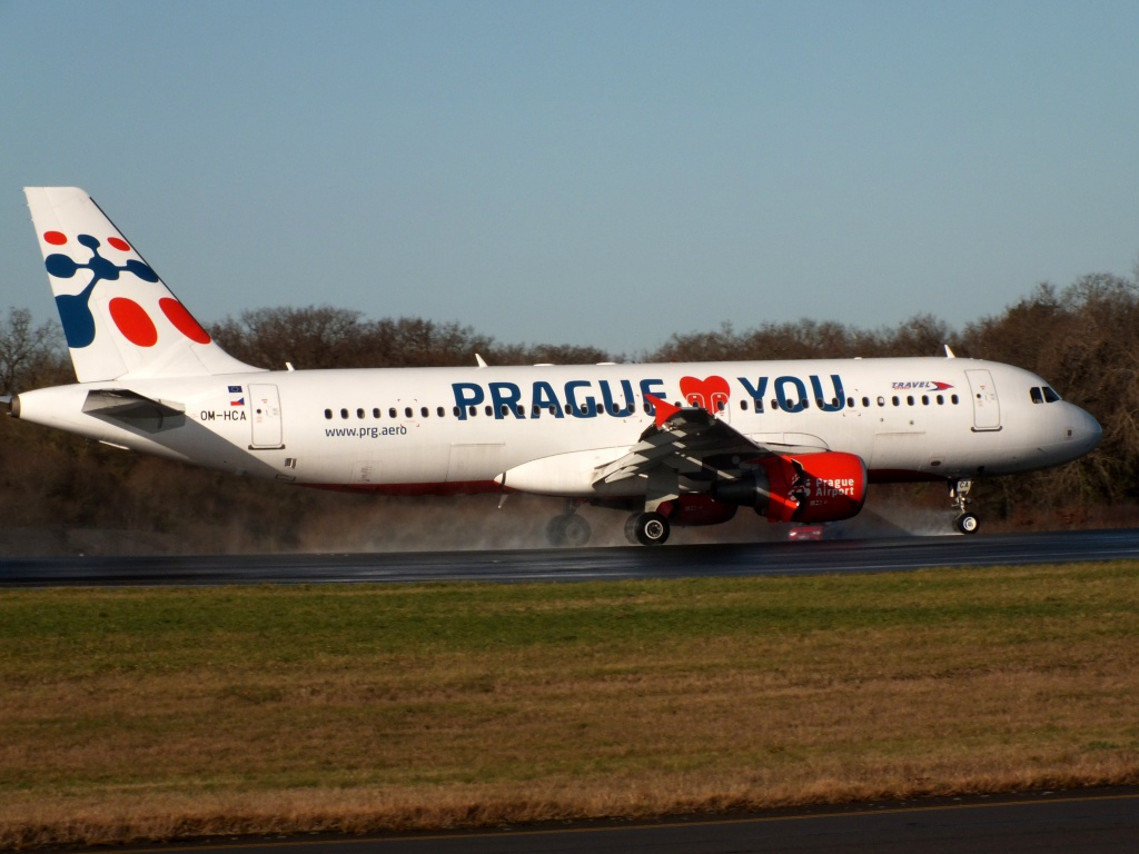 "[22/12/2013] A320 (OM-HCA) Travel Services Slovakia ""Prague loves You"" c/s 202550Decembren11189"