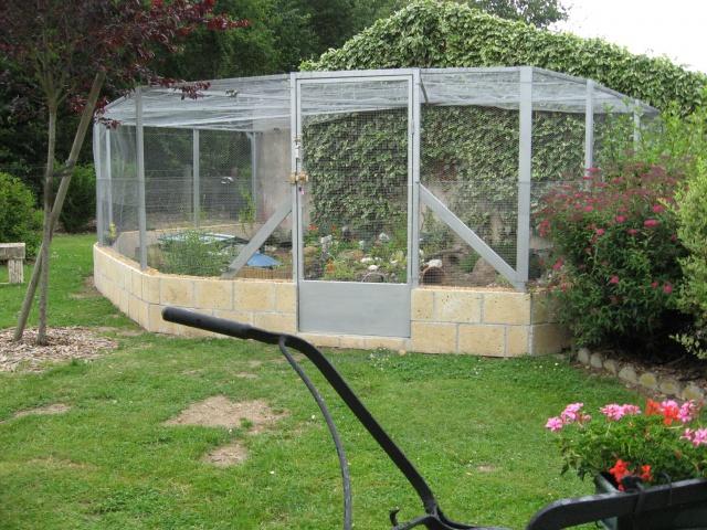Recherche idées pour construire un enclos en parpaing 2056387023