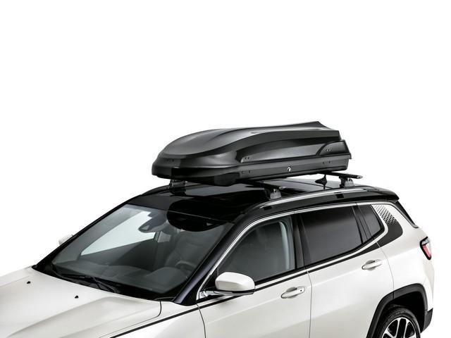 Mopar® : plus de 70 équipement pour la Jeep® Compass 20871101bCarrierkitluggagedarkgreybox