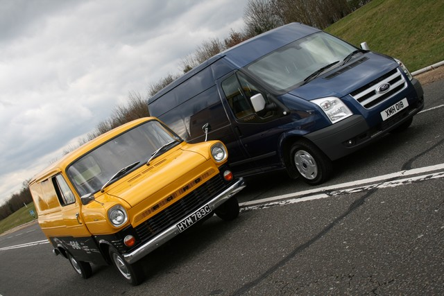 Le Ford Transit fête ses 50 ans ! 209479TransitCelebrations022