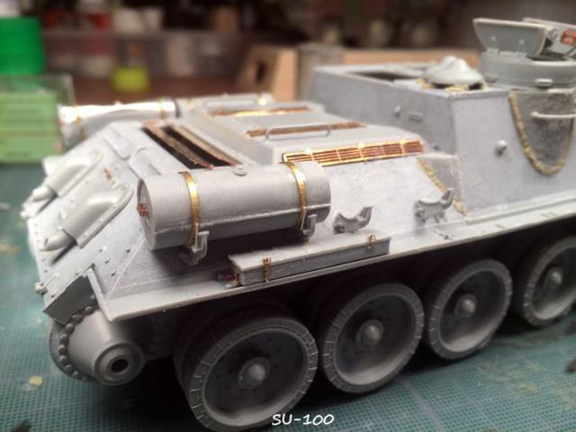 SU-100 marque Dragon 1/35 213163IMG3882
