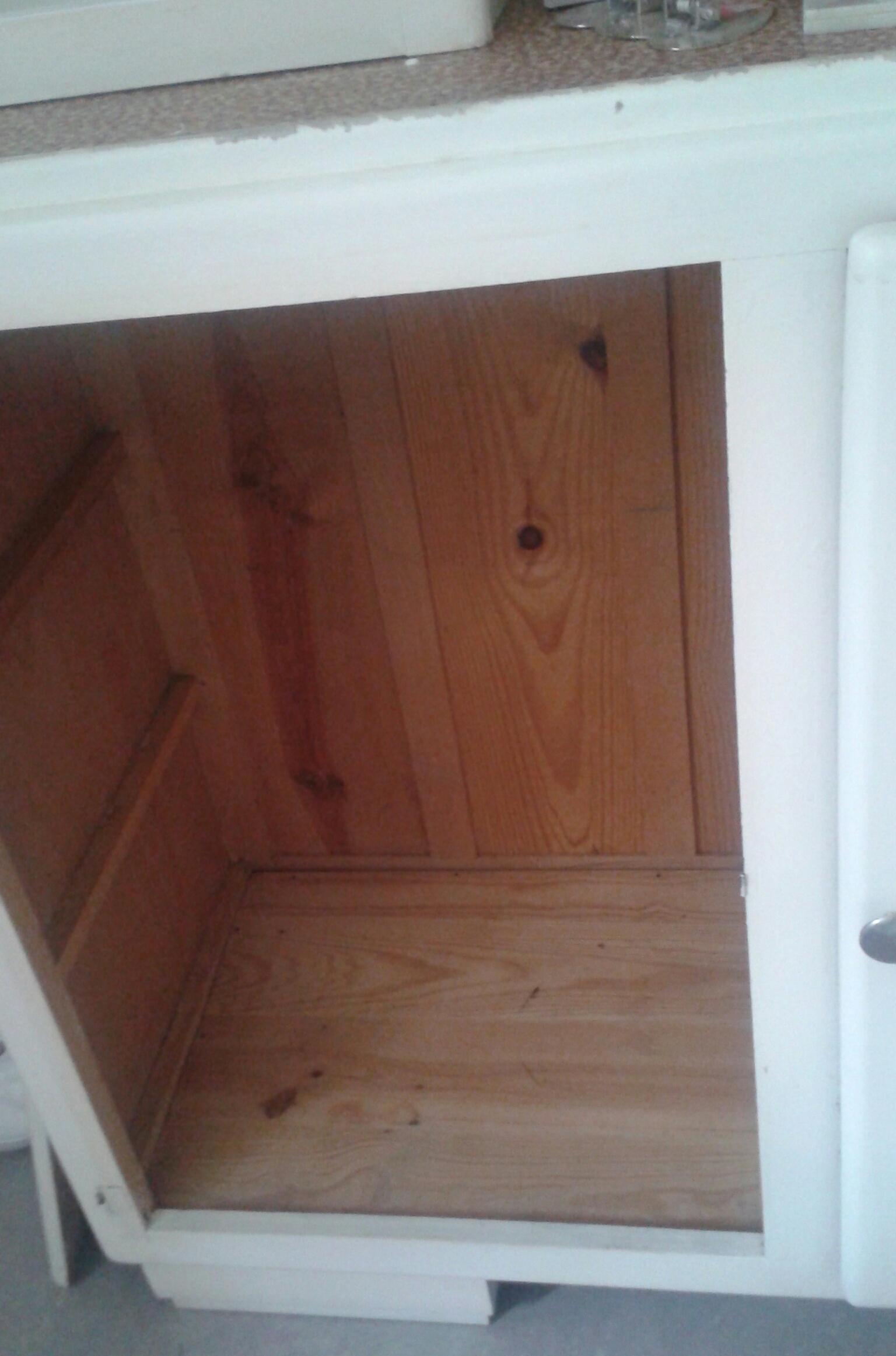Je restaure un meuble. 219073201507311910371
