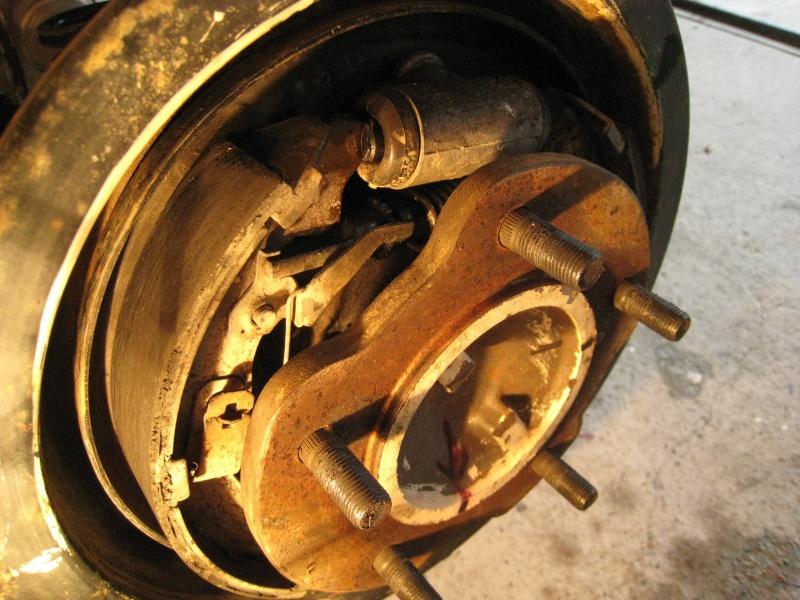 modification flasque tambours arrières pour démontage rapide des roulements 219133IMG2001