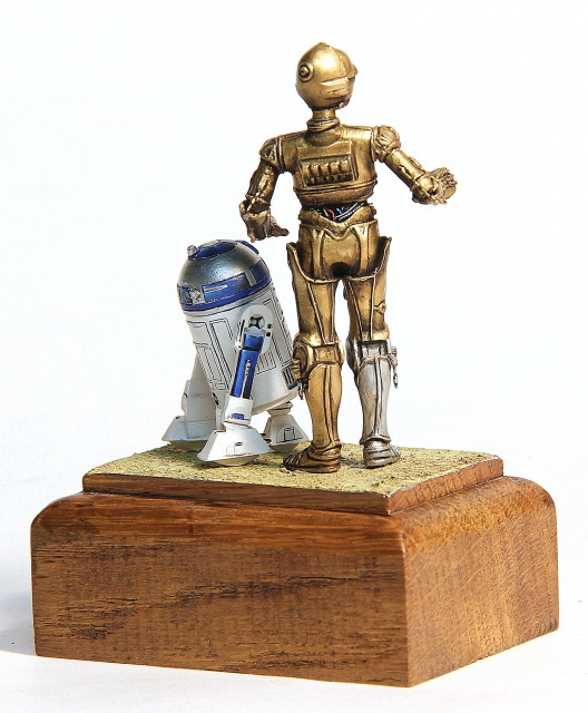"""I'd better knock I suppose."" C3PO et R2D2  70 mm 222176004"