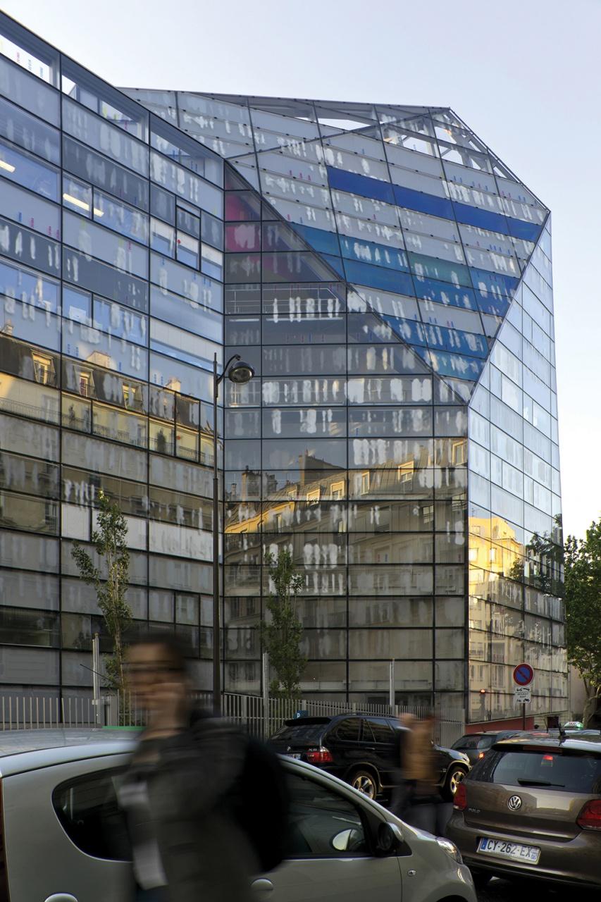 l'architecture contemporaine à Paris. 22925053a85c0dc07a80a393000112imaginefoundationvalerogadanarchitectesateliersjeannouvelajnvgaparisimaginechristophevaltin23
