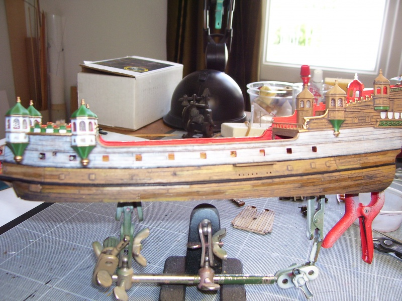 HMS ELIZABETHAN 1/200  - Page 2 229844Photo047