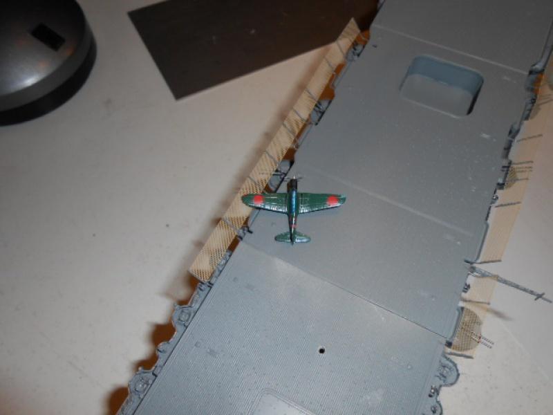 PA AKAGI 1/350 de chez Hasegawa PE + pont en bois par Lionel45 - Page 5 230422aka034