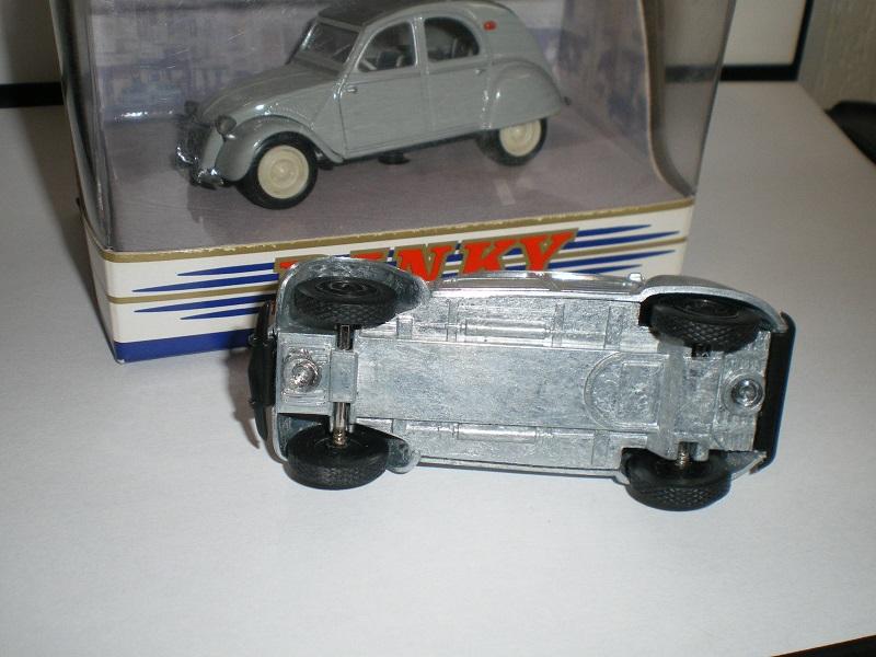 Citroën 2CV - 1957  - Dinky DY 32 - Matchbox Collection. 231766IMGP0089