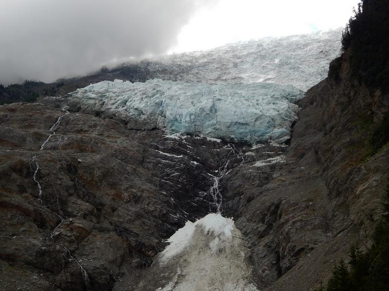 Le glacier des Bossons - Page 12 232451Bossonsaot2014