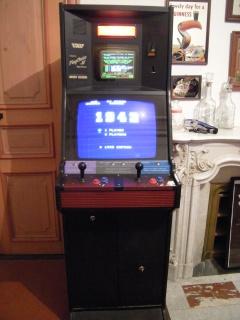 (Vds) Nintendo Playchoice 10 + 18 jeux (castlevania,rygar,contra...)  233214DSCN3470