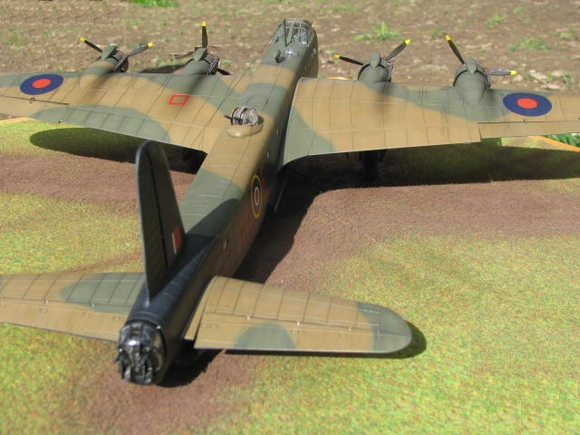Short Stirling MkIII BF-513 Italeri 1/72, 2ème !!!!!....Terminé!!! - Page 4 235669IMG7147