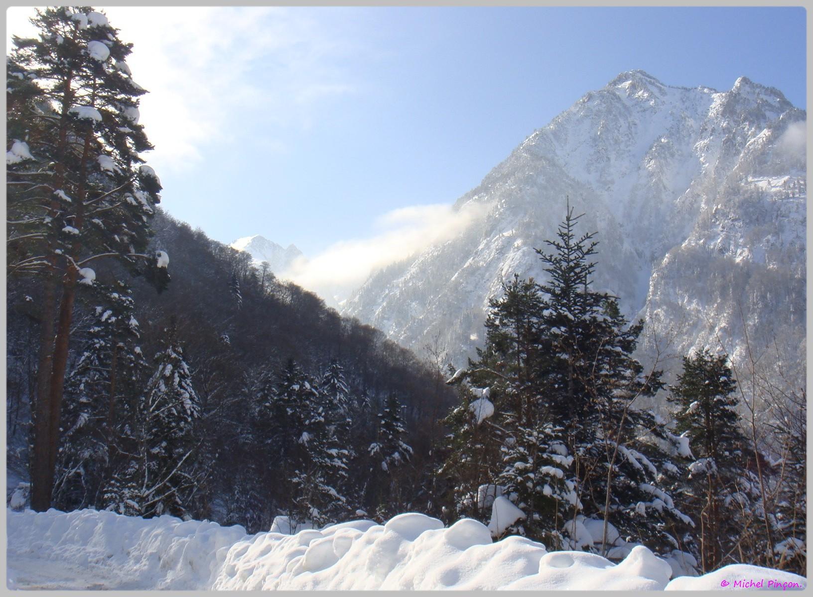 Une semaine à la Neige dans les Htes Pyrénées - Page 2 235726DSC012045