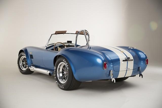 Shelby Cobra 427 : Édition spéciale pour le 50ème anniversaire 237378ShelbyCobra4273