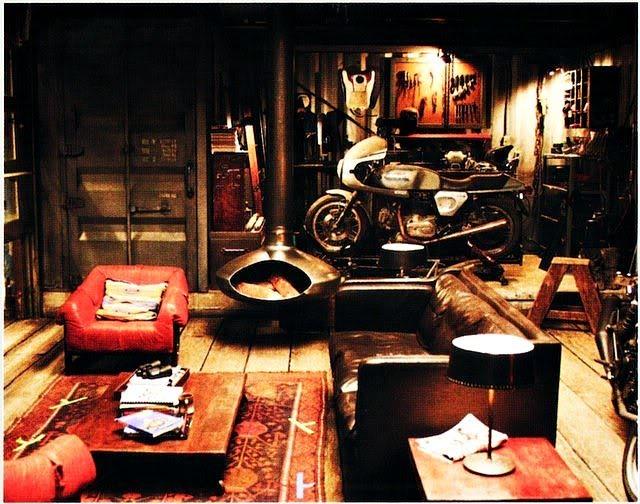 Les garages, les pièces mécaniques d'ici et d'ailleur.... 239138SamFlynn