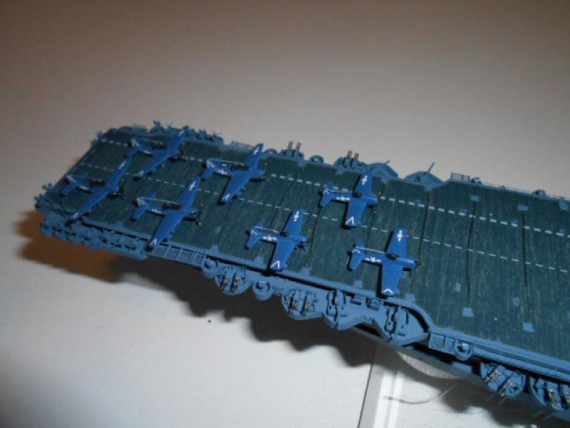 Le Saratoga 1/700 Tamiya pont en bois + PE 241159avionsSara032
