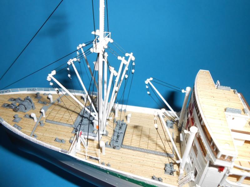 Hikawa Maru hopital 1/350 PE/pont en bois et babioles  - Page 6 242789DSCN5953