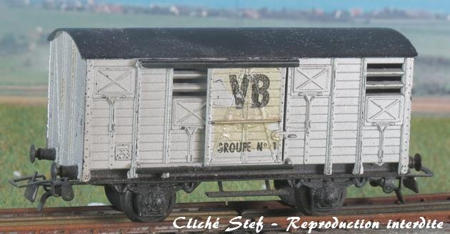 Wagons couverts plastique 244241VBcouvertessieuxplastiquetraindesherbeurIMG4422R