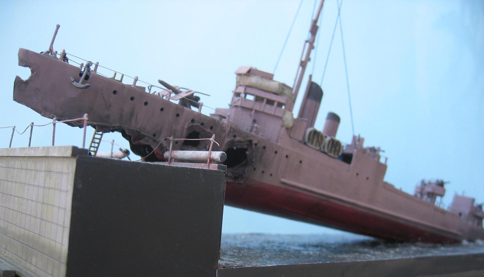 [Revell] Destroyer HMS Campbeltown - 1/240. 255259Campbel57