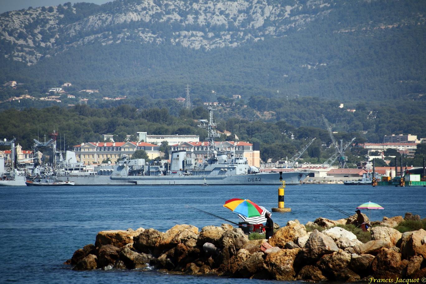 [LES PORTS MILITAIRES DE MÉTROPOLE] Mouvements de Bâtiments dans la rade de Toulon - Page 13 256064414