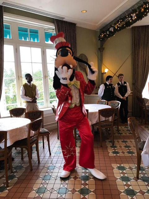 Disneyland Hotel 256924261653617542014314203112418656438683074059n