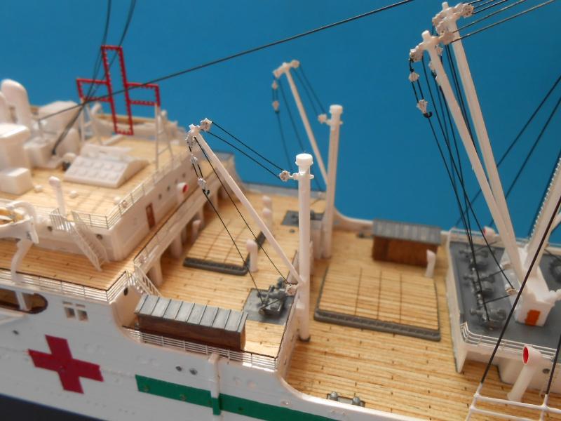 Paquebot mixte Hikawa Maru, pont bois, photo-découpe, Hasegawa 1/350. 258372DSCN6152