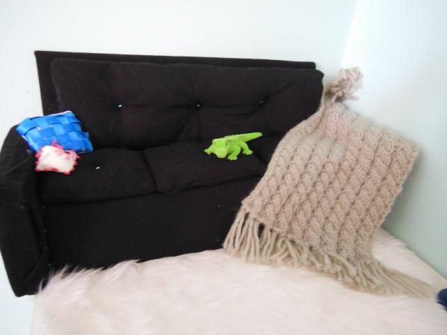 Mon petit atelier: Canapé, miniatures taille pkf et pullip 261790DSCN0337