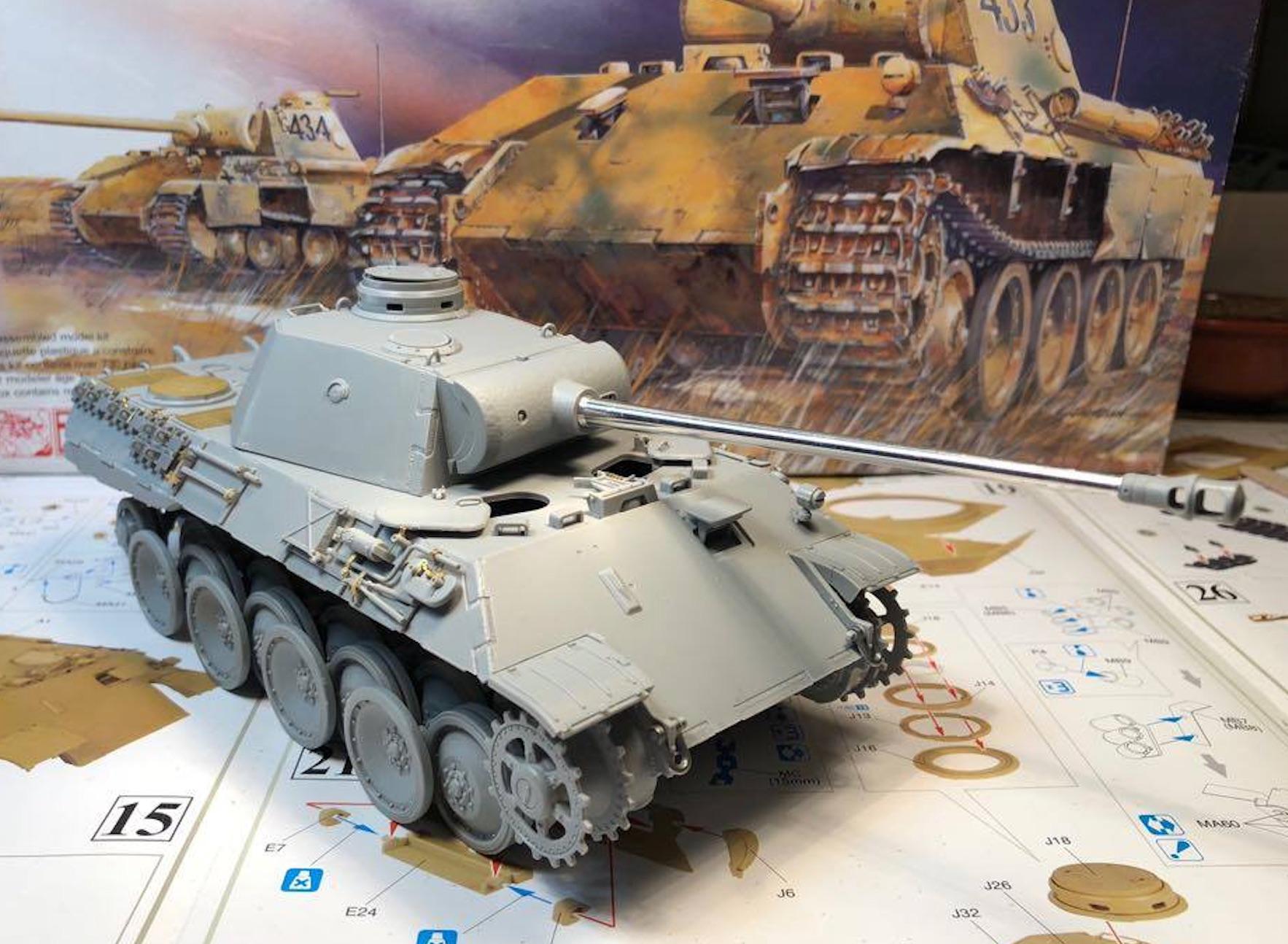 Sd.Kfz.171 Panther D - Page 2 270721PantherDStepsToolsRight