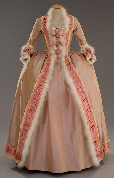 robe a la francaise 18eme rouge