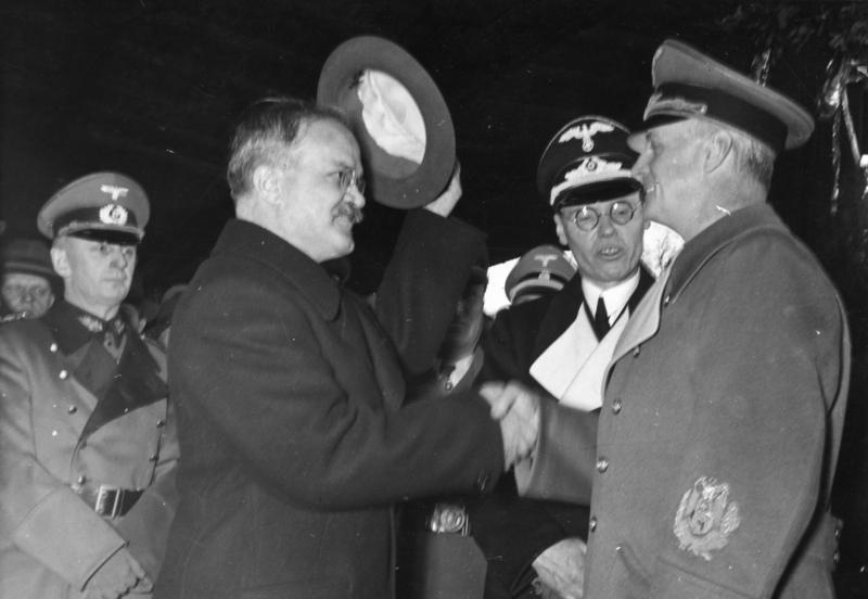 LFC : 16 Juin 1940, un autre destin pour la France (Inspiré de la FTL) 276468BundesarchivBild18319841206523BerlinVerabschiedungMolotows