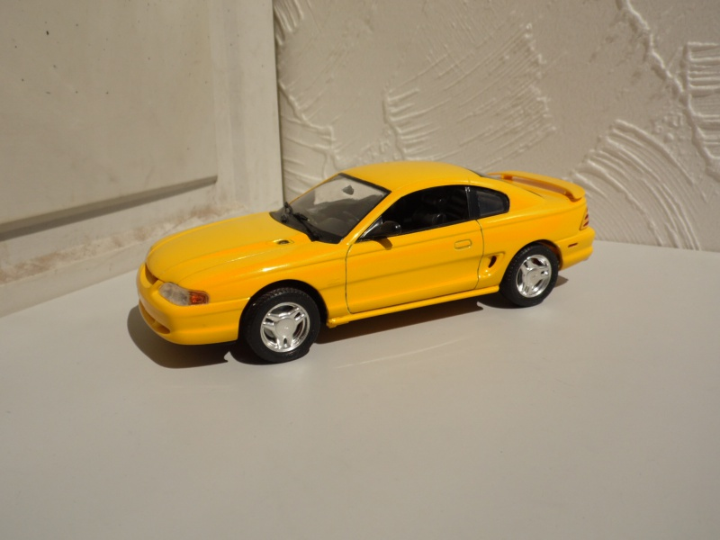 Ford Mustang's 94. 277884SAM4956