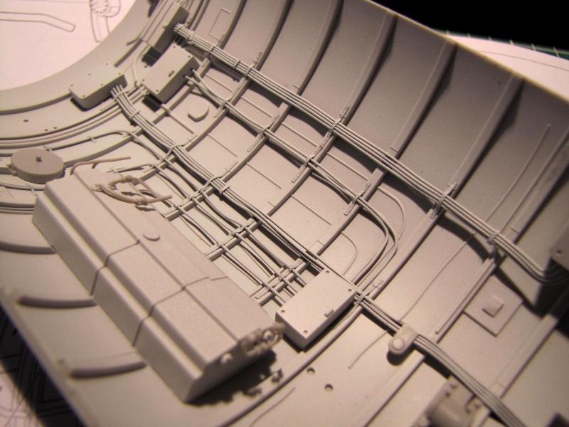 U-552 TRUMPETER Echelle 1/48 - Page 3 27933976zu