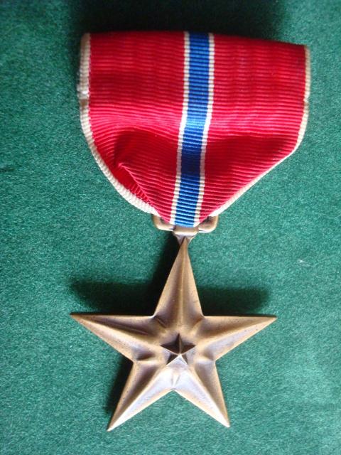 LES DÉCORATIONS AU CHOC 1943-1945. 283664BronzestarPalomba1