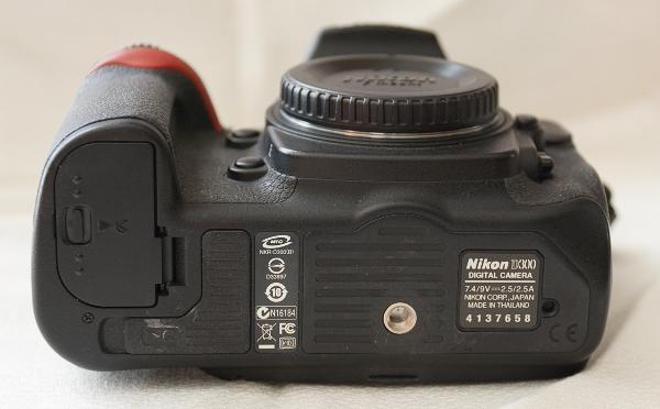 [Vendu] Nikon D300 + Grip + Télécommande + accessoires - Baisse de prix 288576D30003