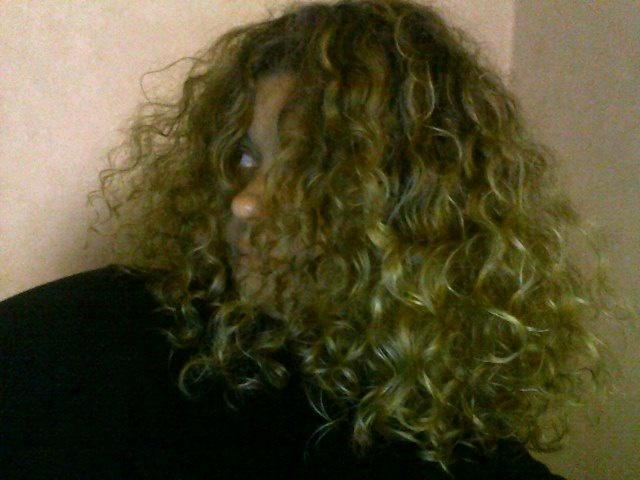 L'humeur du jour de nos cheveux - Page 2 294889Snapshot201212211