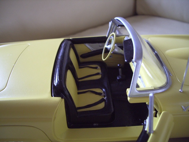 ford thunderbird 1955 au 1/16 de chez amt  2981591829