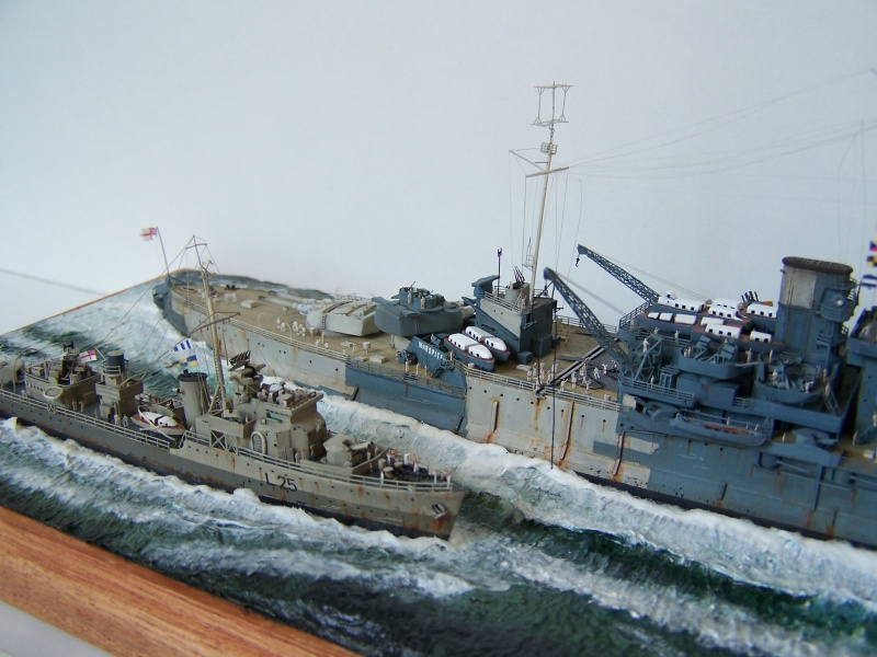 Destroyers classe Hunt type 2 et 3 304496Finewaterline068