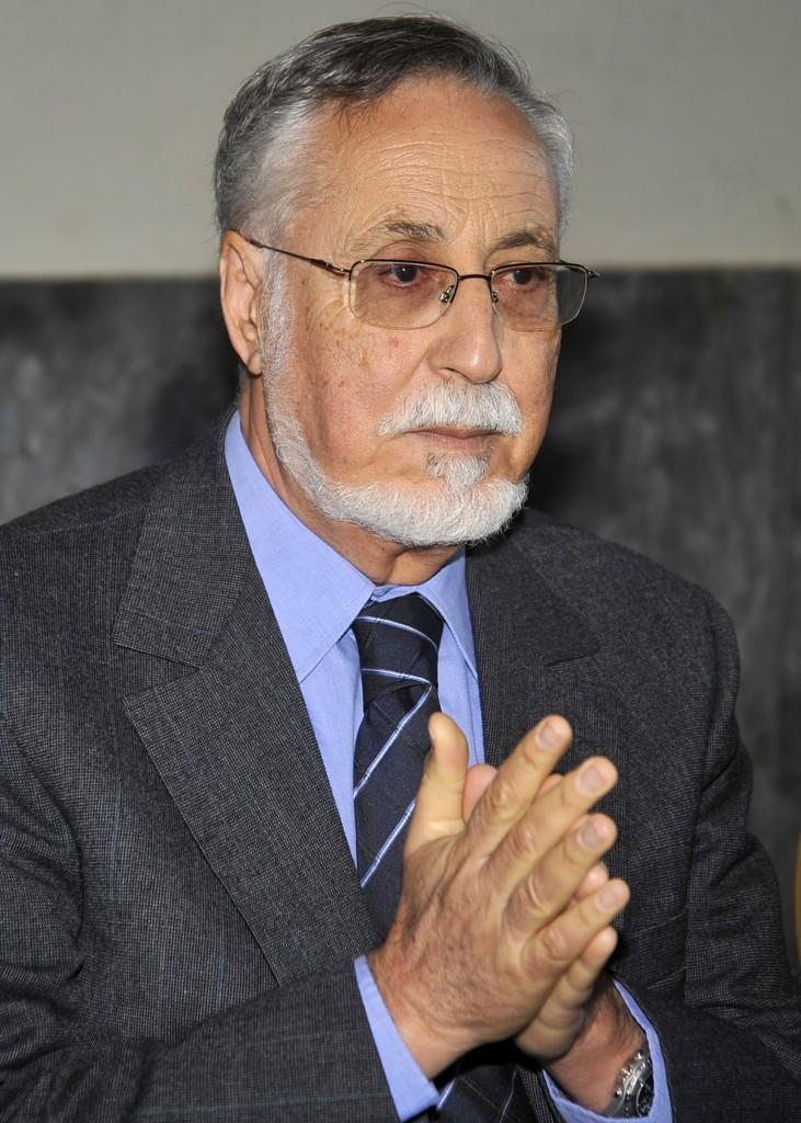 مولاي إسماعيل العلوي... أوراق من ذاكرة السياسة  30533615753