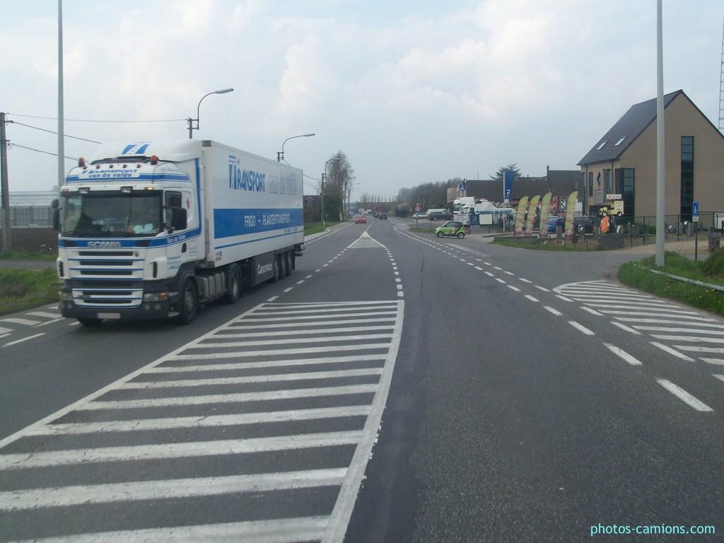 Transport Van de Velde (Melle) 305386photoscamions14Avril2101290Copier