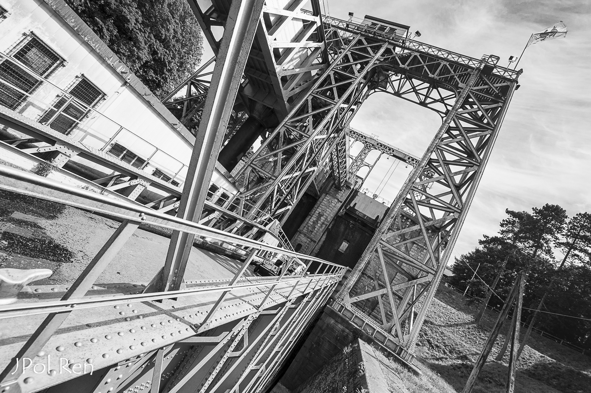 Sortie Ascenseurs canal du centre : Photos 306450GG09asc08317