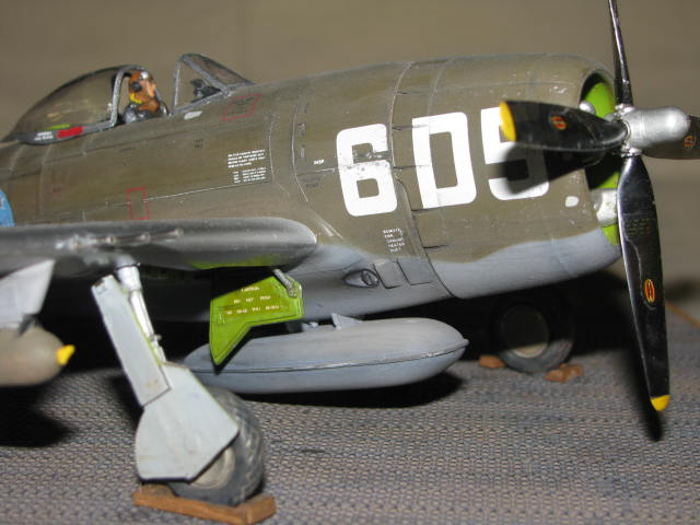 Restauration P-47 Lt Raymond Knight 1/48 Monogram  310499IMG6080