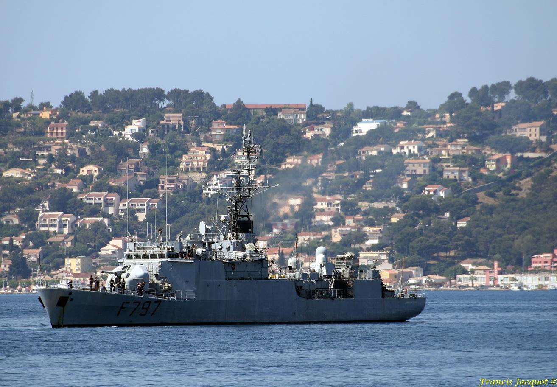 [LES PORTS MILITAIRES DE MÉTROPOLE] Mouvements de Bâtiments dans la rade de Toulon - Page 13 312398258