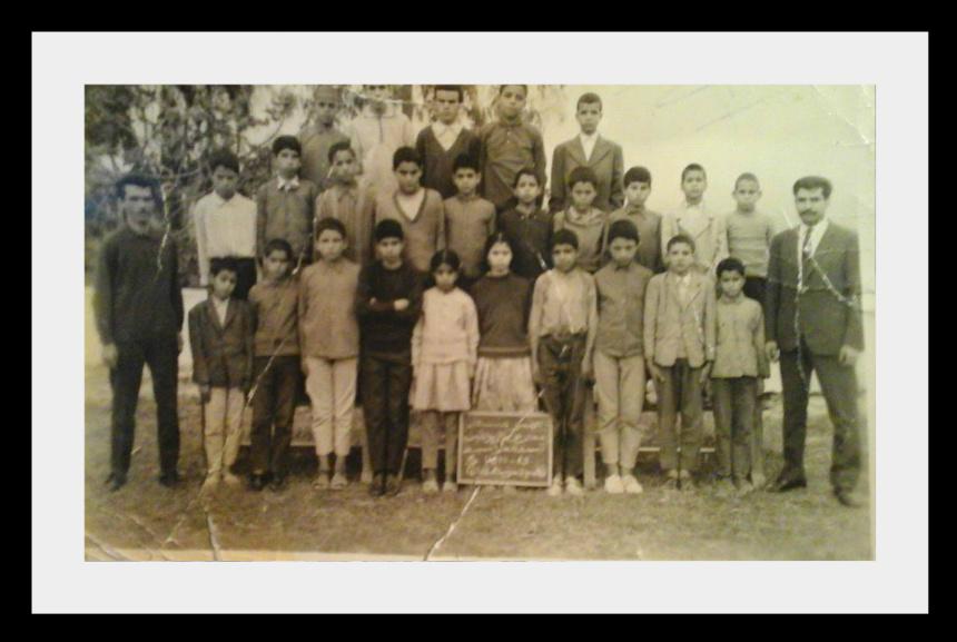مدرسة الزواقين : صور قديمة لأطر التدريس  والتلاميذ في  الستينيات  31285796z6