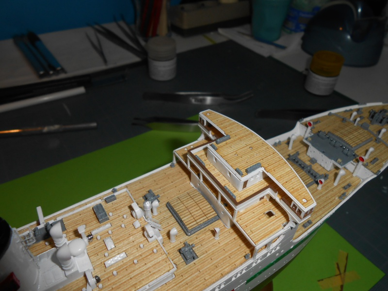 Hikawa Maru hopital 1/350 PE/pont en bois et babioles  - Page 6 314873DSCN5917