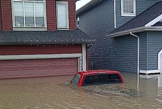 Innondation, alberta, canada 3164687highriver