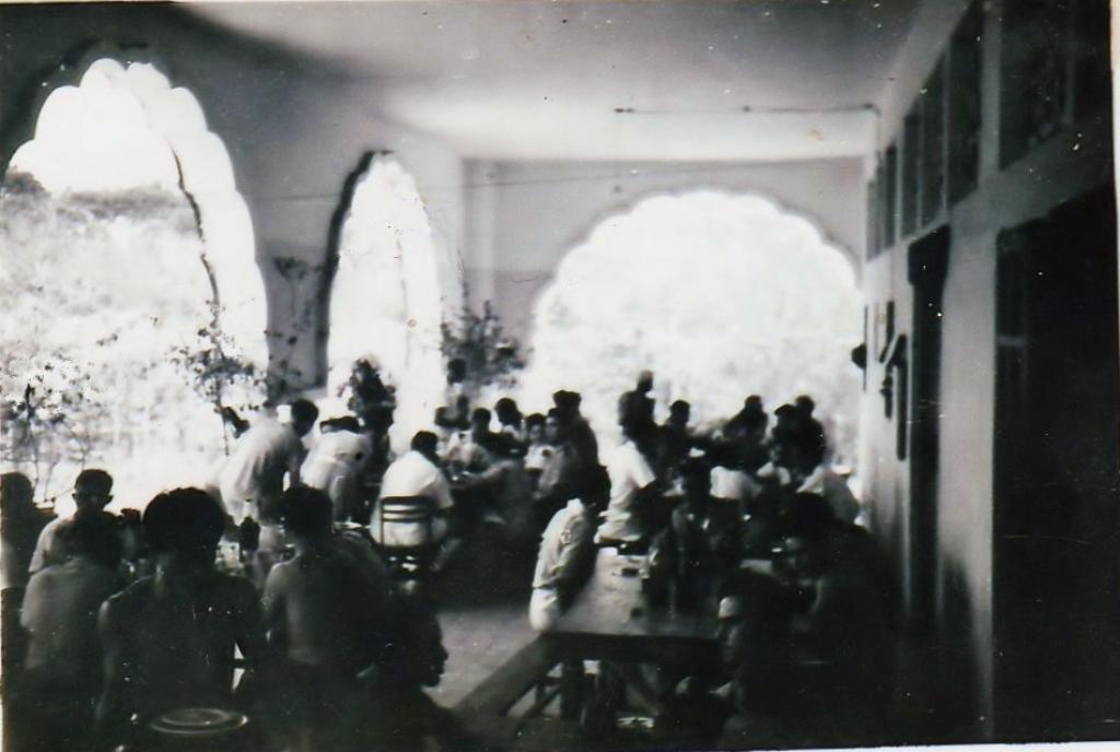 [ Aéronavale divers ] [ 1945-1950 L'histoire des grands oiseaux blancs à tête de loup noir en Indochine 3183991948Lamauresque