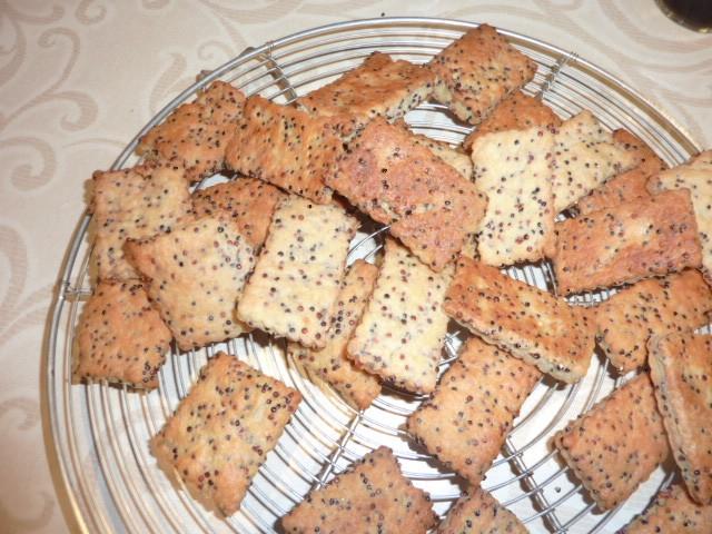 Petits-beurre aux graines et au parmesan 320124petitsbeurreparmesan