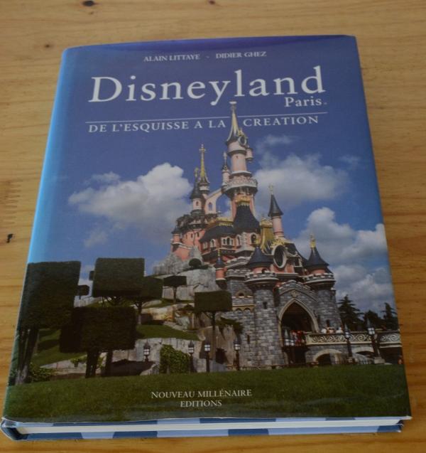 [Livre] Disneyland Paris: de l'Esquisse à la Création (VERSION ANGLAISE UNIQUEMENT) - Page 3 3206382027