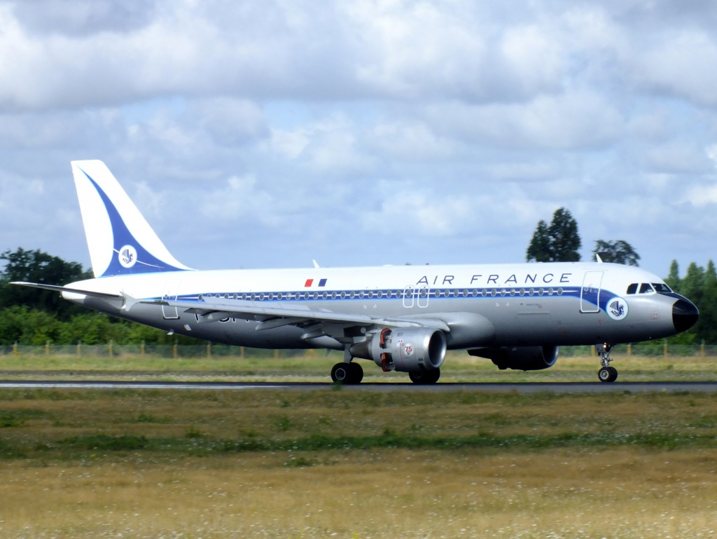 [F-GFKJ] A320 RetroJet Air France - Page 4 322288Aoutn3020