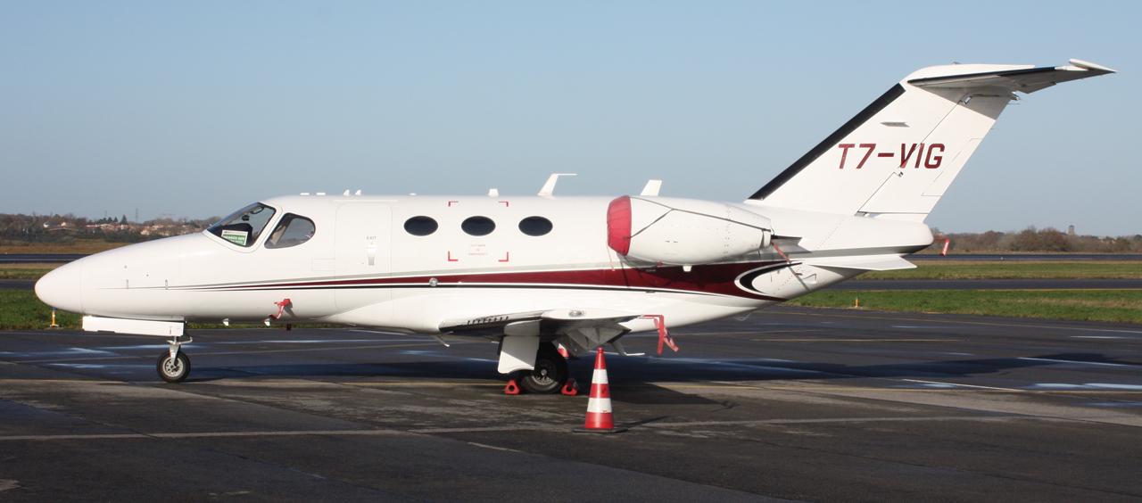 [BIZ JETS] L'Aviation d'Affaires de 2012... - Page 10 323138IMG2858