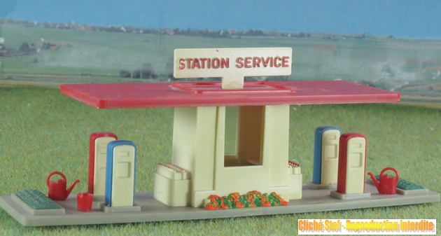 Stations service époque III 324511JouefstationsericeIMG3916R